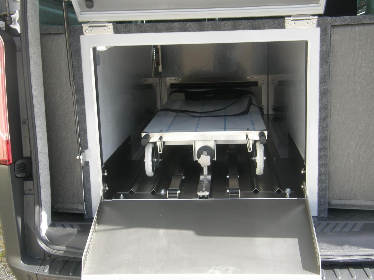 corbillard ford custom mixte